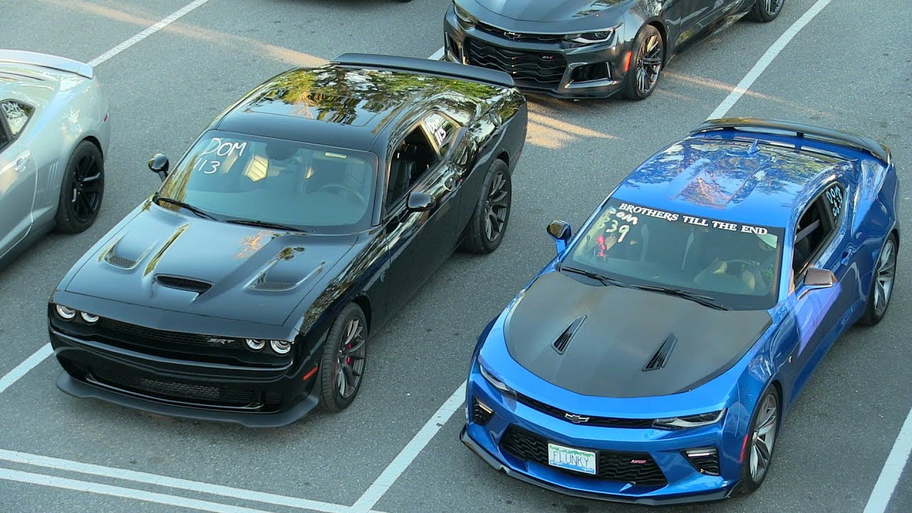 Who\'s The Fastest? Modern Muscle Cars Drag Race